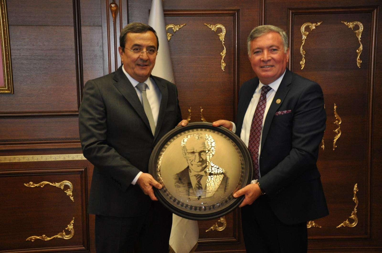 Konak'tan Kardeş Honaz'a ağabey desteği