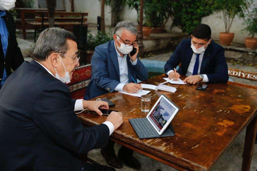 Başkan Batur kriz masasında