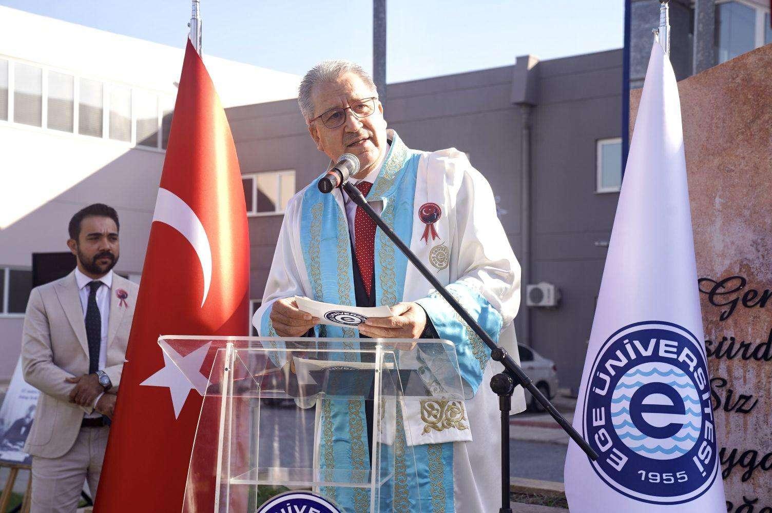 EÜ'de Cumhuriyet Bayramı töreni