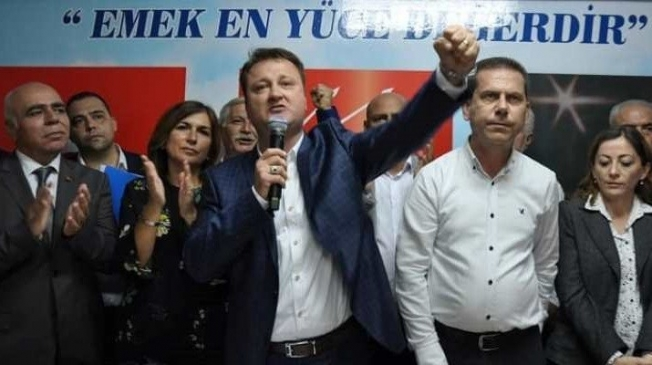 İZMİR'DE YOLSUZLUK VE RÜŞVET OPERASYONU ARALARINDA SERDAR AKSOY'DA VAR