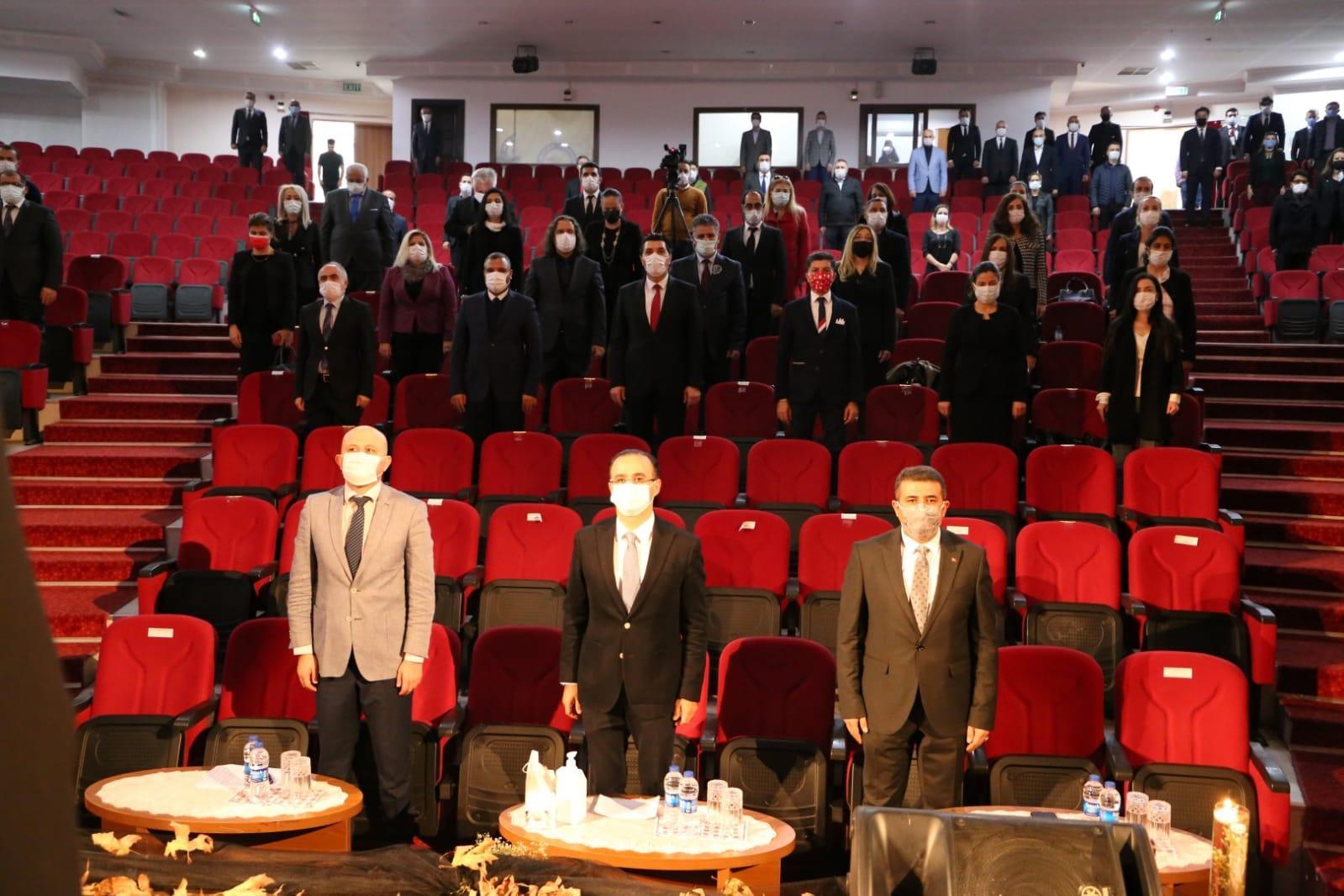 İzmir İl Milli Eğitim Müdürlüğü '10 Kasım Atatürk'ü Anma Programı' Düzenledi