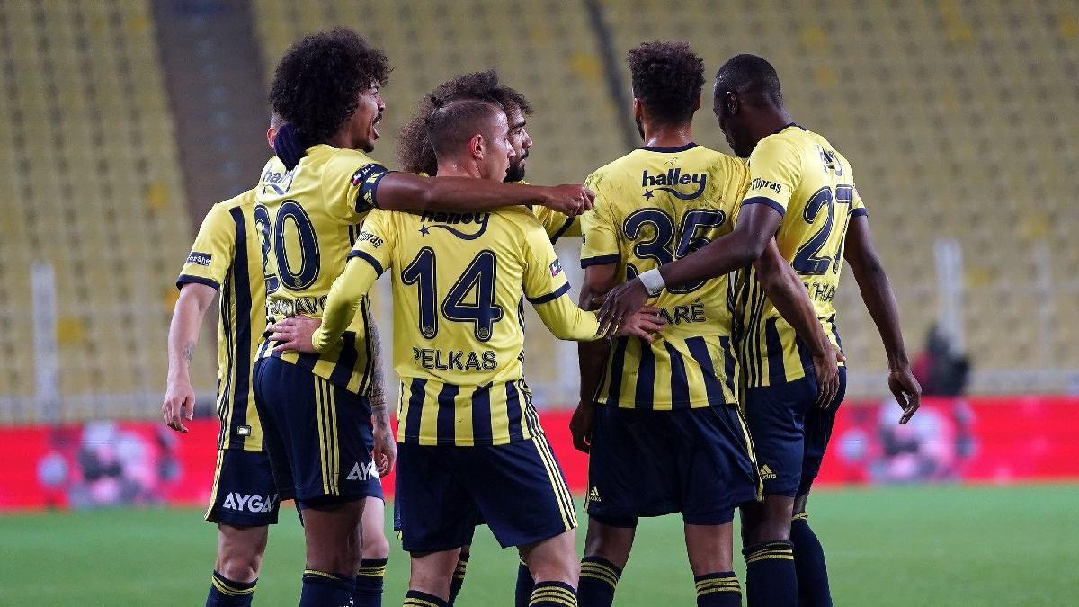 10 kişilik Fenerbahçe, Karacabey Belediyespor'u eledi
