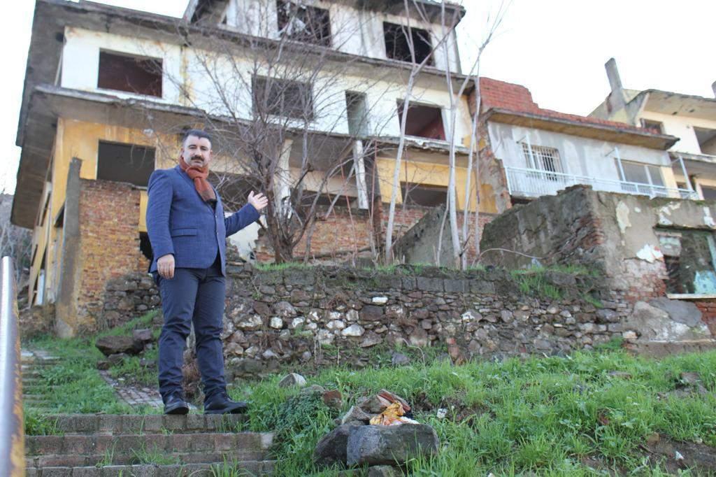 AK PARTİLİ BAŞDAŞ'TAN KONAK BELEDİYE BAŞKANI BATUR'A İLGİNÇ GÖNDERME