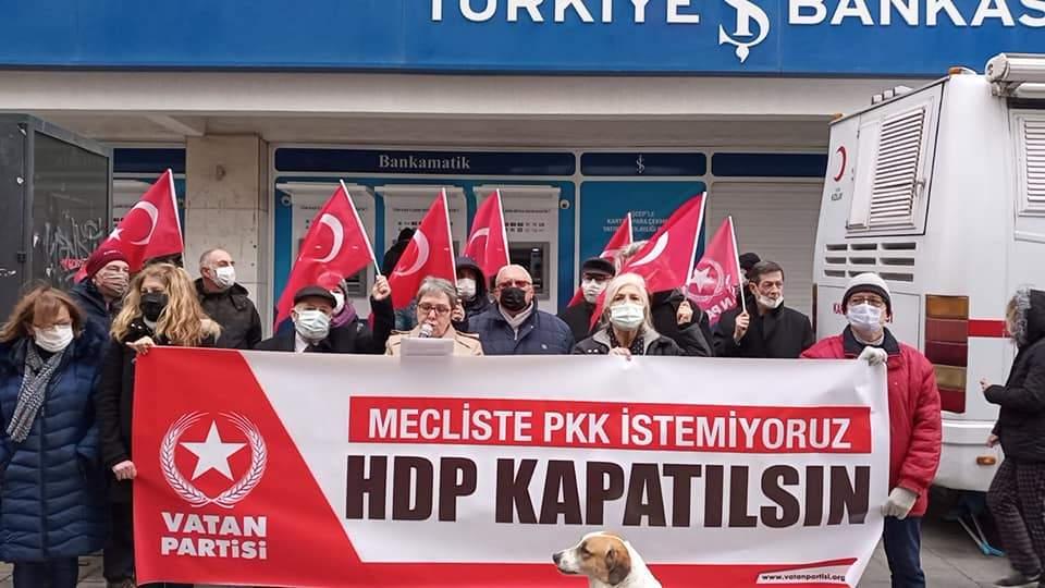 İZMİR'İN 15 FARKLI MERKEZİNDEN TEK SES YÜKSELDİ: HDP KAPATILSIN!