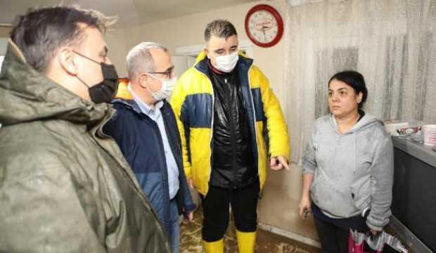 AK Parti heyeti sel felaketinin yaşandığı İzmir'de temaslarını sürdürdü