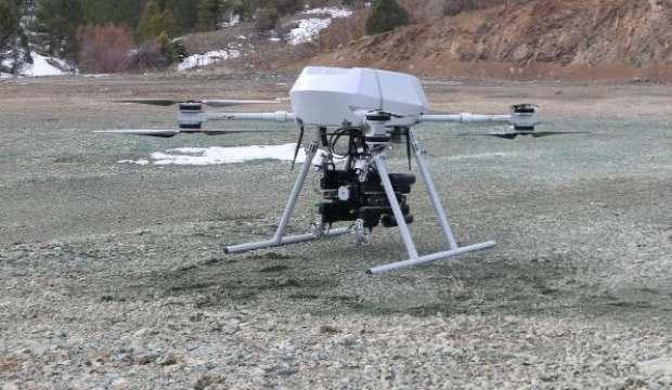 TÜRKİYE'NİN İLK MİLLİ BOMBA ATARLI DRONE'U SONGAR