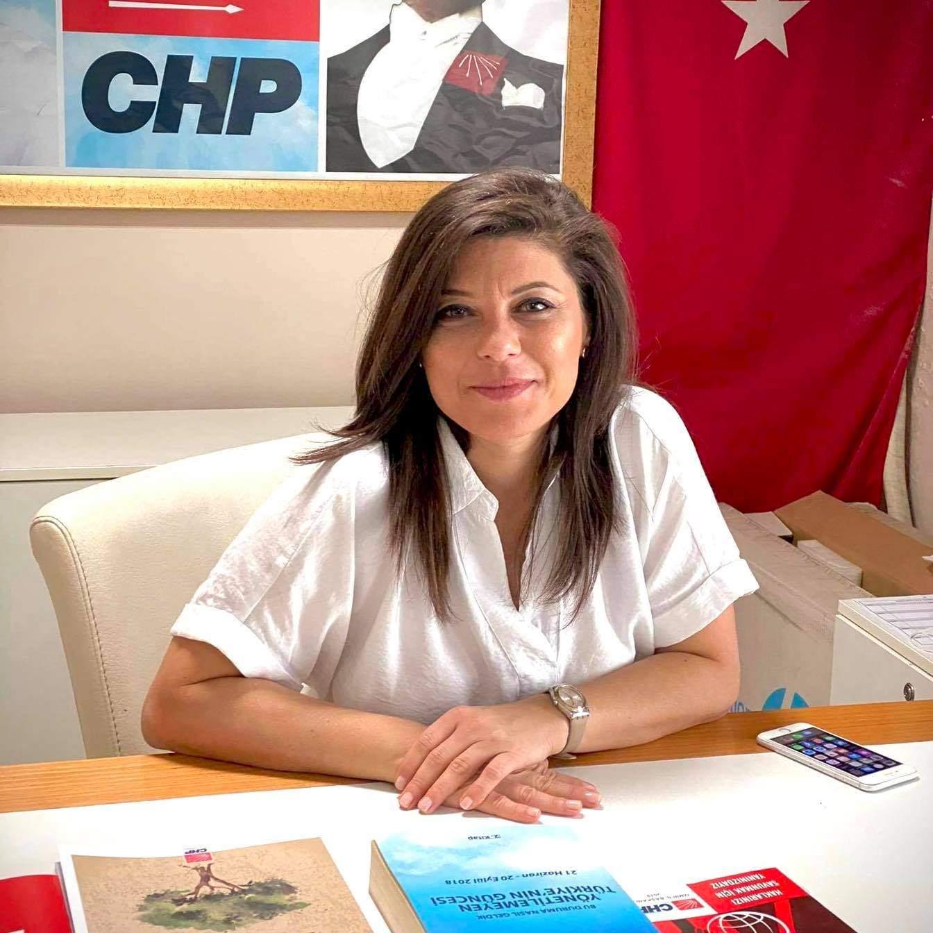 CHP İZMİR'DEN 8 MART İÇİN ÇARPICI MESAJ :'TÜRKİYE BİR YOL AYRIMINDA'
