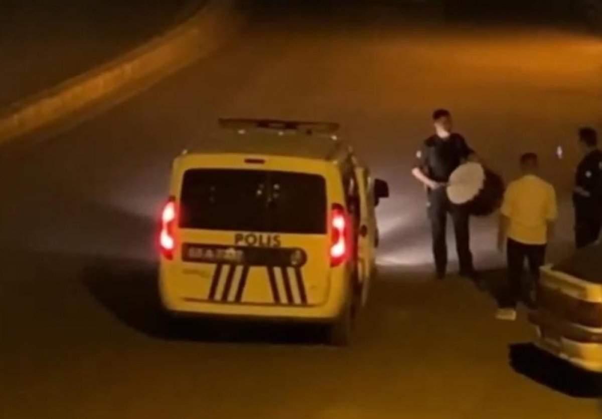 ŞANLIURFA'DA RENKLİ GÖRÜNTÜLER: POLİS SAHURDA DAVUL ÇALDI