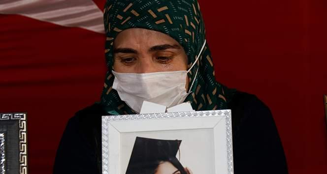 Evlat nöbetindeki abla Hayriye Akyüz: 'Bunların tek amacı şu cennet vatanı Suriye yapmak'