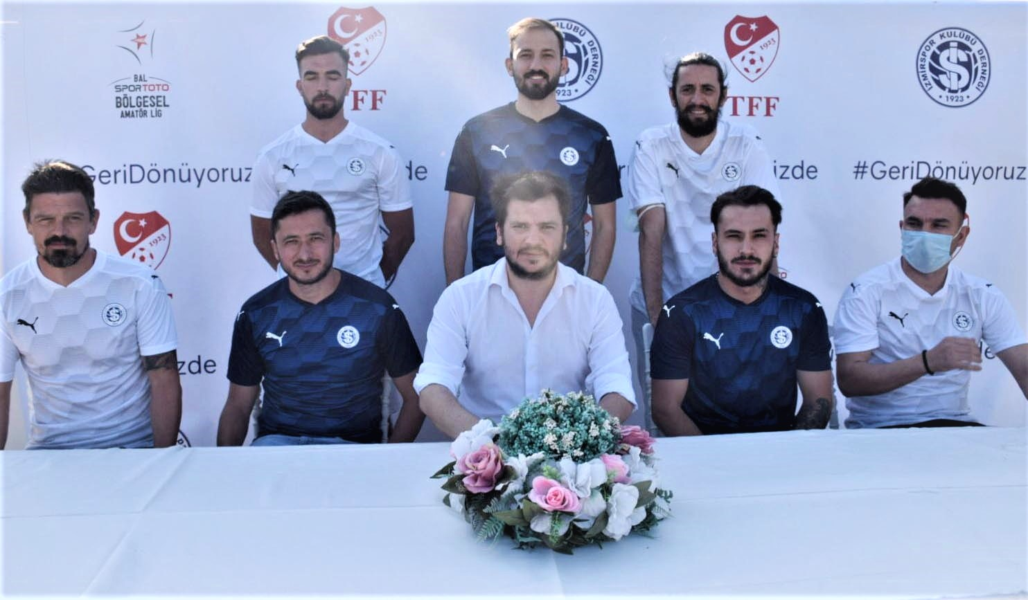 Sıra İzmirspor'da