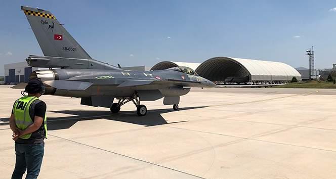 İyileştirmesi tamamlanan 6'ncı F-16 Blok-30 uçağı da Hava Kuvvetlerine teslim edildi