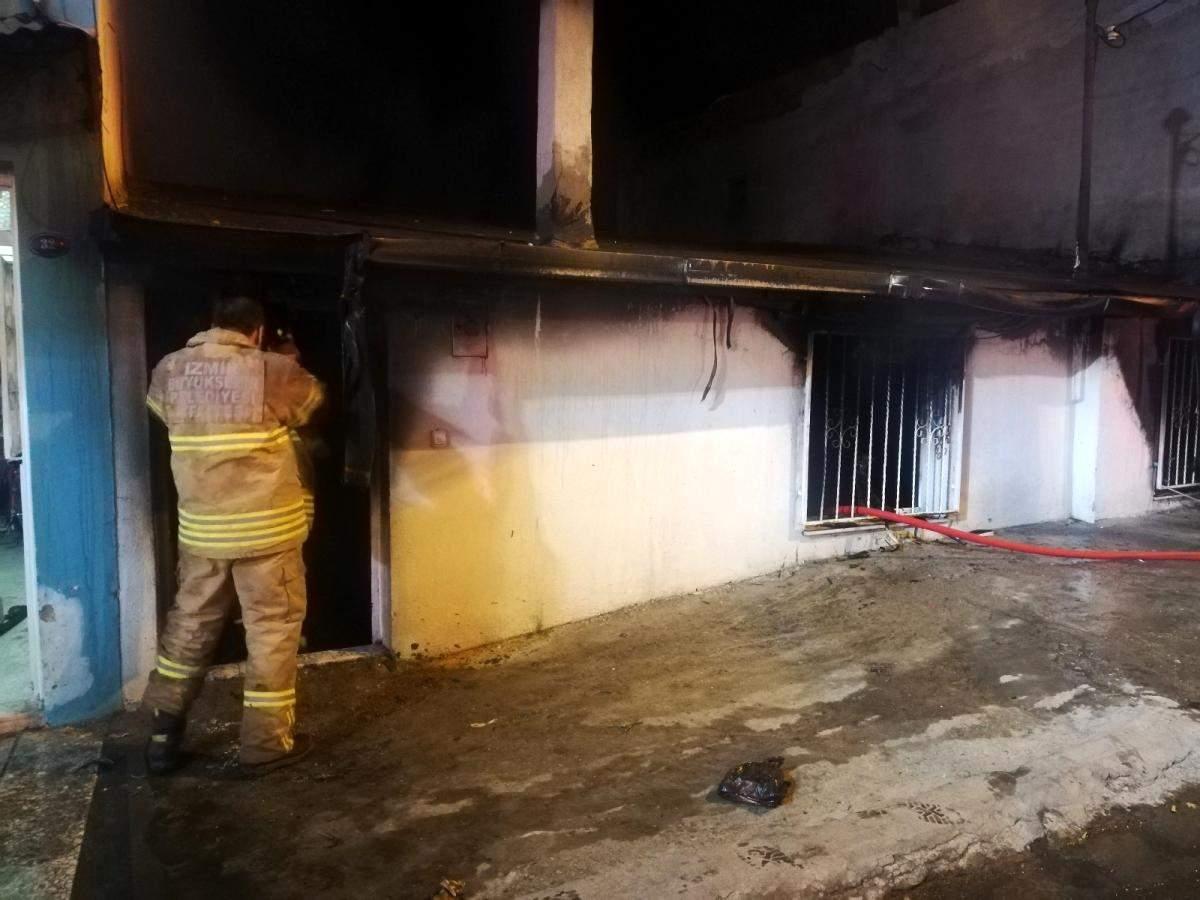İzmir de müstakil ev yangınında kundaklama şüphesi