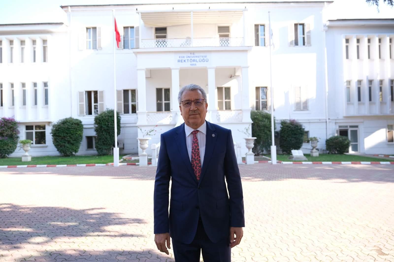 Ege Üniversitesi Hukuk Fakültesine yeniden kavuştu