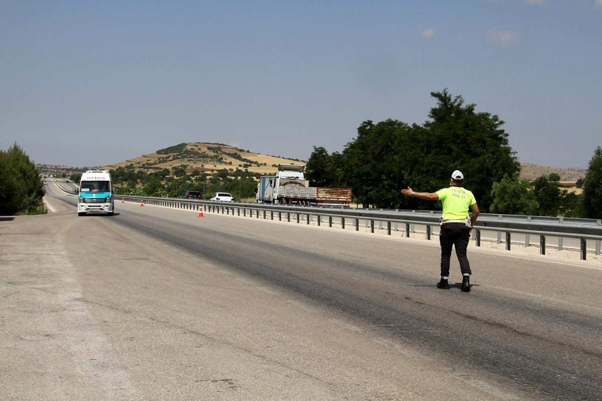 D300 karayolunda otobüs ve minibüsler denetlendi