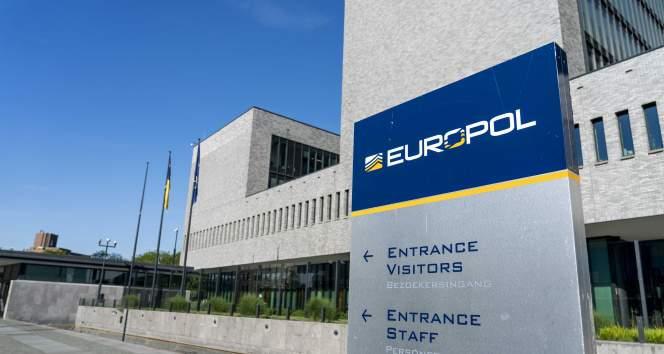 Europol'den küresel operasyon açıklaması: '800 kişi gözaltına alındı'