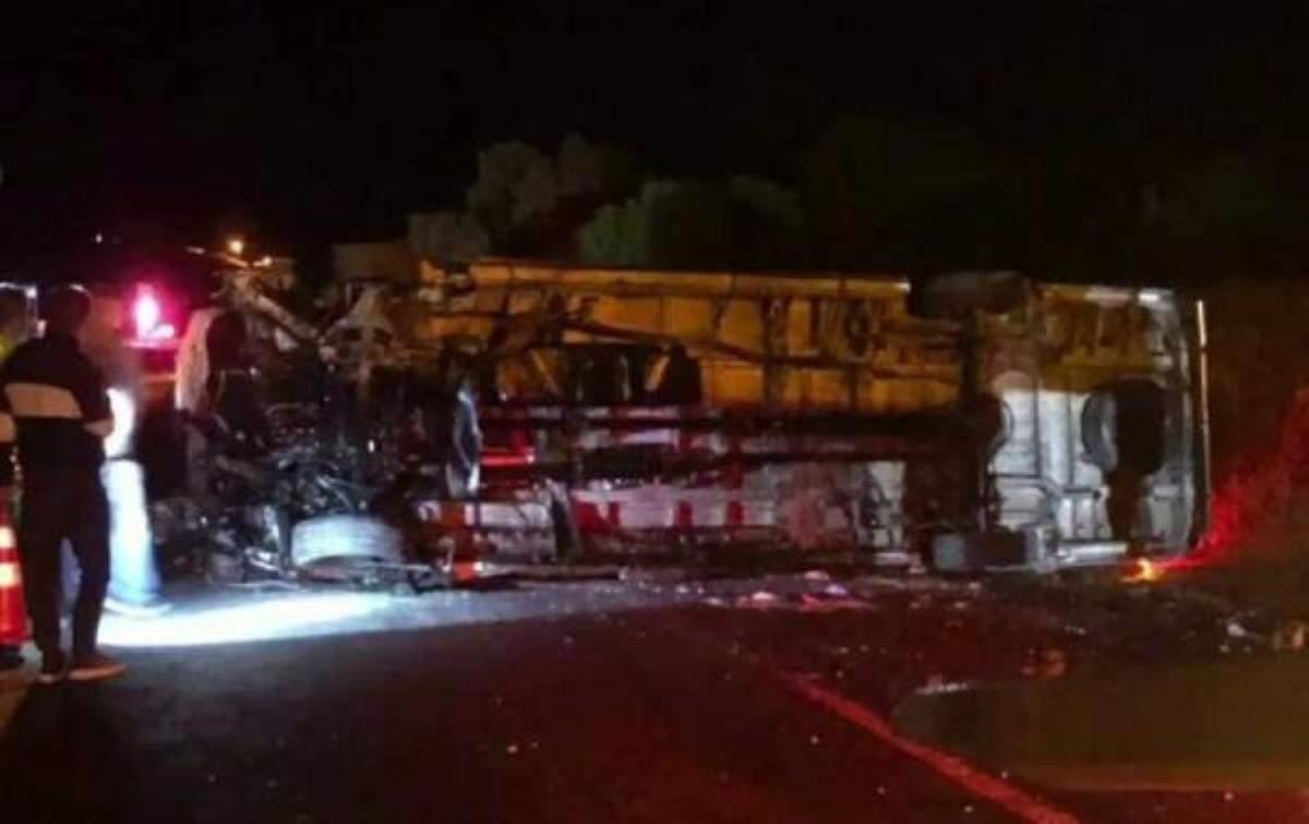 Film ekibini taşıyan minibüs devrildi: 9 yaralı