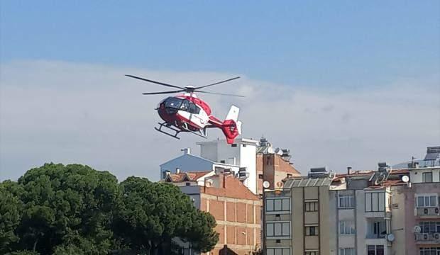 Hava ambulansı ayağı tarım makinesine sıkışan çiftçi için havalandı