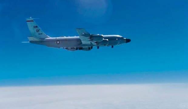 Rus savaş uçağı, Pasifik'te ABD keşif uçağını engelledi!