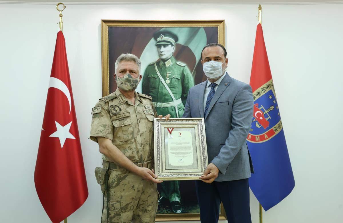 Son dakika haberi | Foça daki jandarma komandolar, kan bağışıyla da Türk milletinin yanında