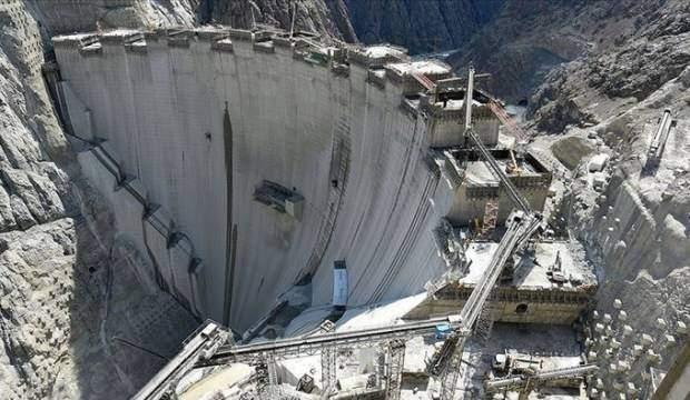 Türkiye'nin en yüksek barajı Yusufeli'nin su tutacağı tarih belli oldu