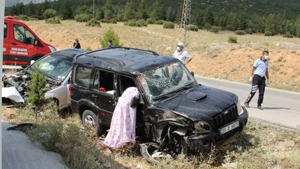 Afyon'da feci kaza: 1 ölü, 2 yaralı