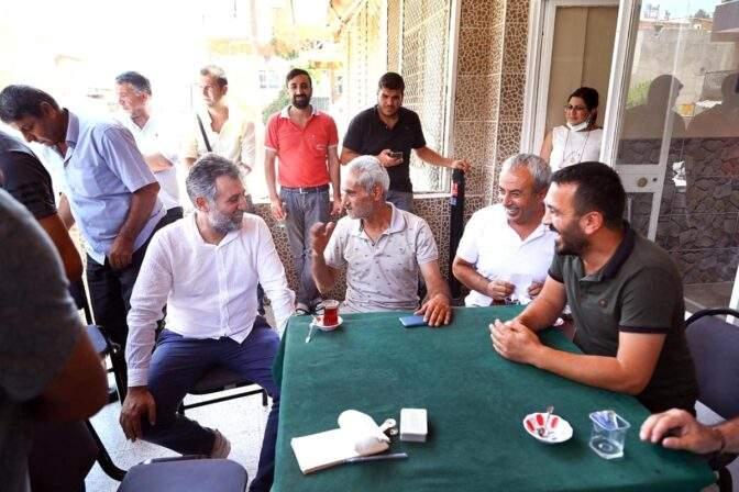 Başkan Sandal, Onur Mahallesi nde esnafı ziyaret etti