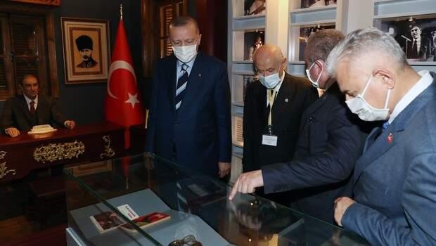 Cumhurbaşkanı Erdoğan, Lefkoşa'da Alparslan Türkeş'in doğduğu müze eve ziyarette bulundu