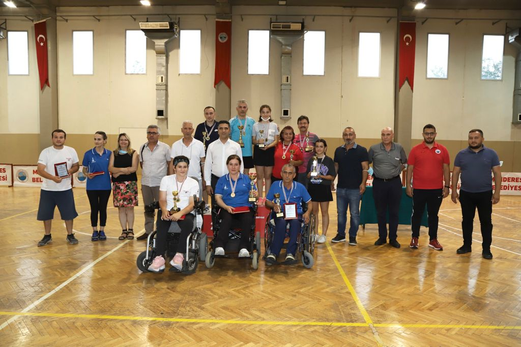 Menderes Masa Tenisi Turnuvası Sona Erdi
