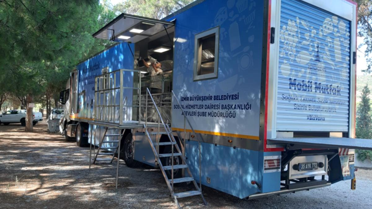 İzmir Büyükşehir Belediyesi nden 3 bin kişilik mobil mutfak