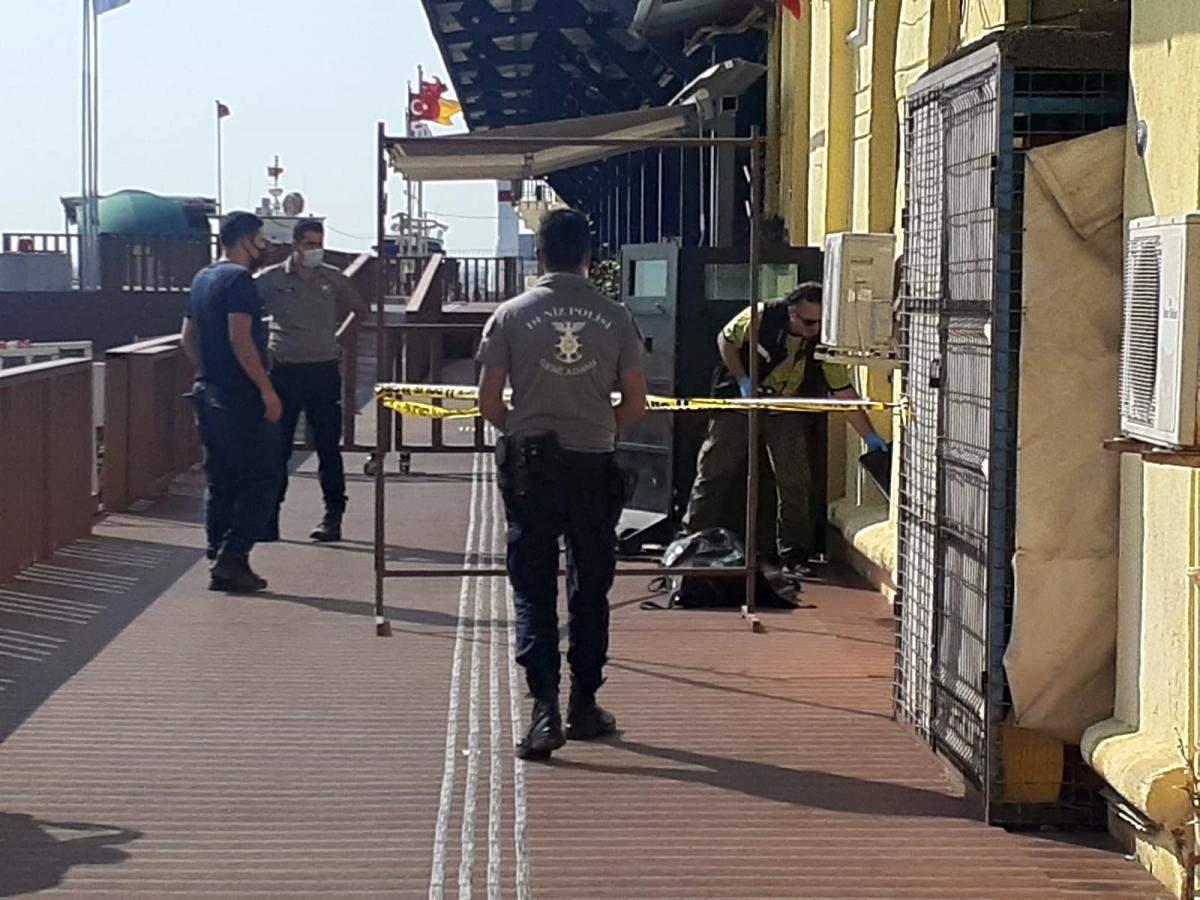 İzmir de denizde erkek cesedi bulundu