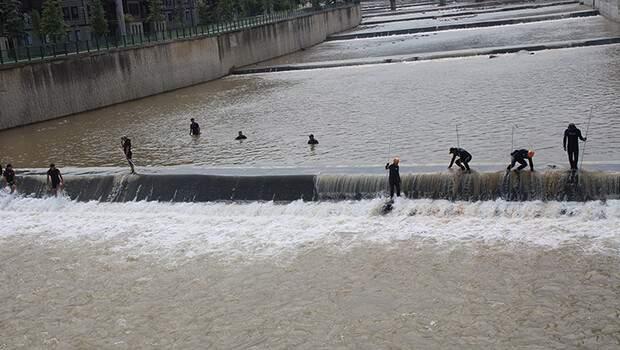 Rize'deki selde kaybolan 2 kişi aranırken Meteoroloji'den yeni uyarı geldi! Yarına dikkat…