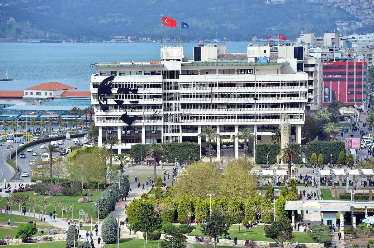 Soyer, Büyükşehir binası için konuştu: