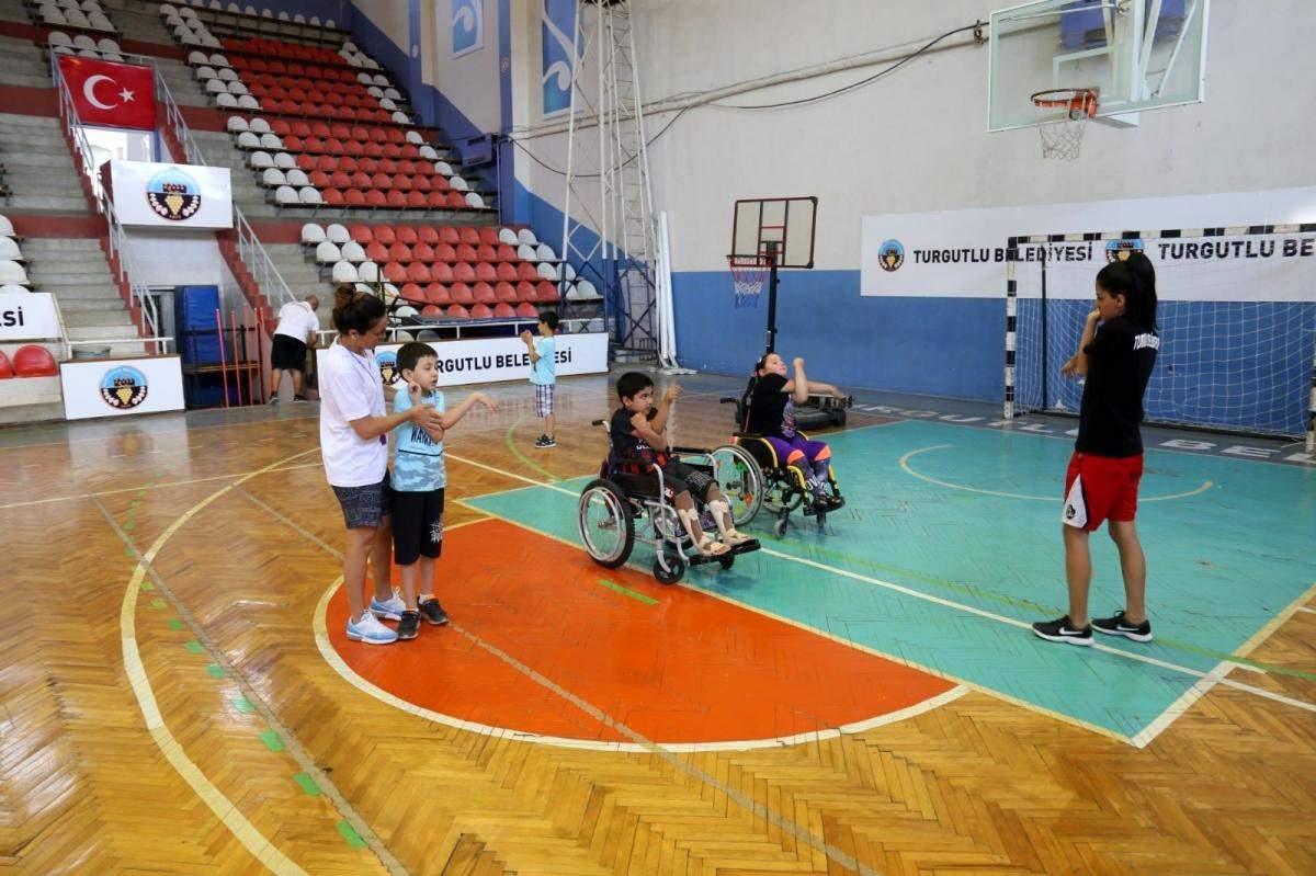 Turgutlu Belediyesinde spora  Engel  yok