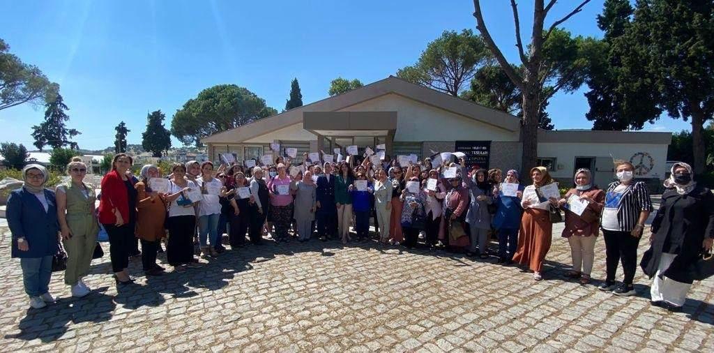 AK Kadın İzmir'den Mahalle Başkanları Bölge Toplantıları hız kesmeden devam ediyor