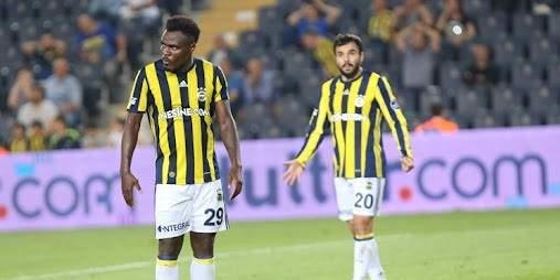 Fenerbahçe'de 4 isimden kendilerine kulüp bulmaları istendi