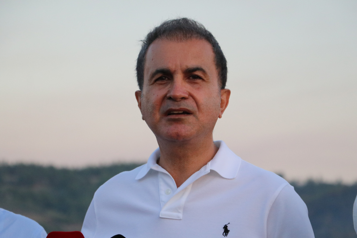 AK Partili Ömer Çelik: 'Yanan alanların yapılaşmaya açılacağı yalan'