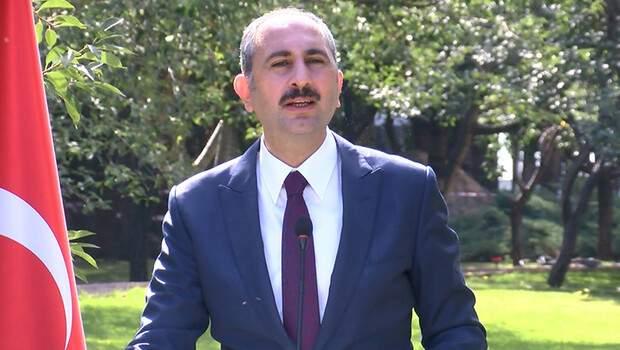 Adalet Bakanı Gül: Gözünüz bağlı, teraziniz şaşmaz olsun