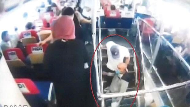 Tacizciyi yolcular yakaladı