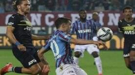 Trabzonspor, rakibini 3-1 yenerek zirveye yerleşti.