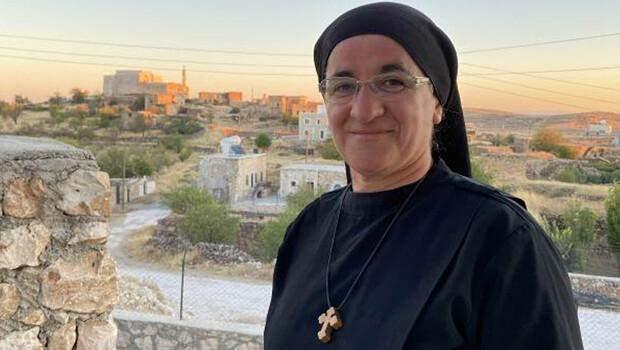 Dünyaca tanınan Süryani rahibe, 36 yıl sonra köyüne döndü
