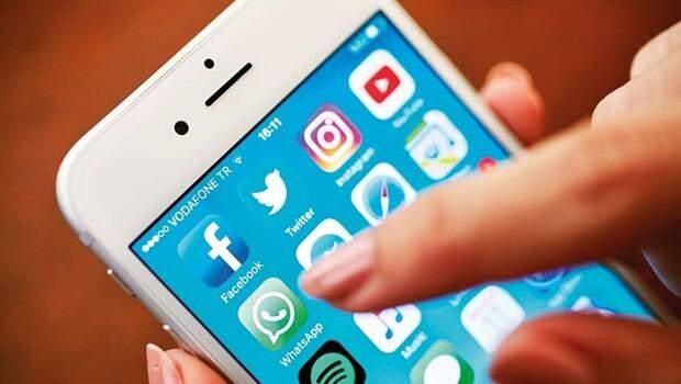 Sosyal medyada tarihi çöküş