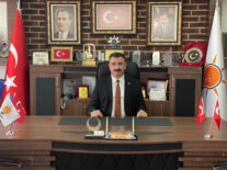 """Başdaş'tan Batur'a şiirli eleştiri  """"Yapamıyorsanız, bırakın biz yapalım"""""""